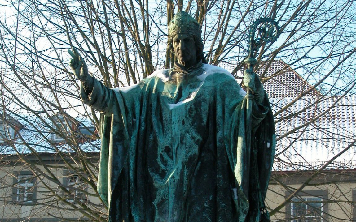 Bishop Bernward is one of the Saints of the diocesis of Hildesheim.