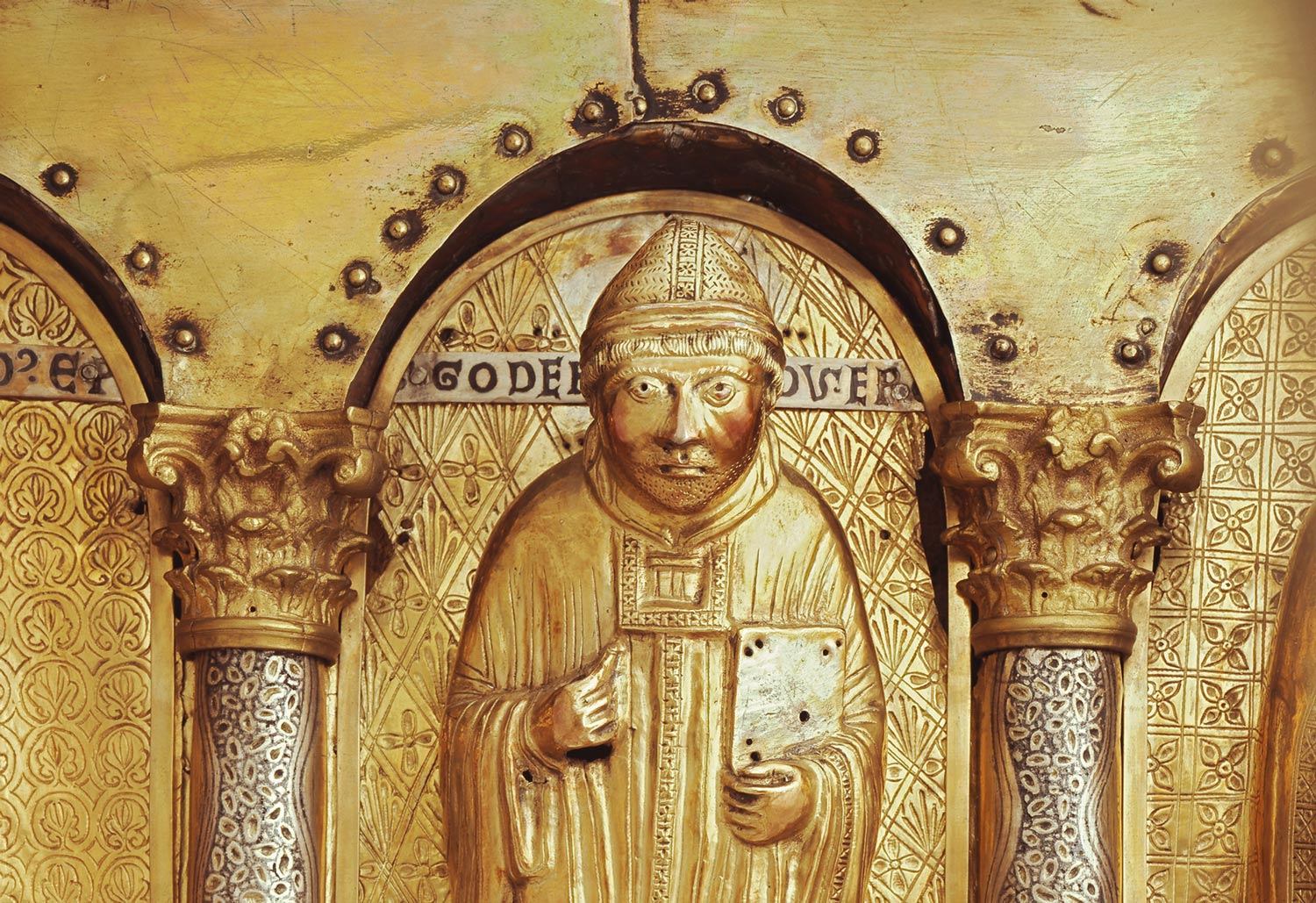 The Hildesheim Gotthard shrine is one of the oldest remaining relic shrines of the Middle Ages.