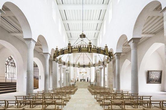 Schlichtheit ist der dominante Eindruck im neugestalteten Hildesheimer Dom.