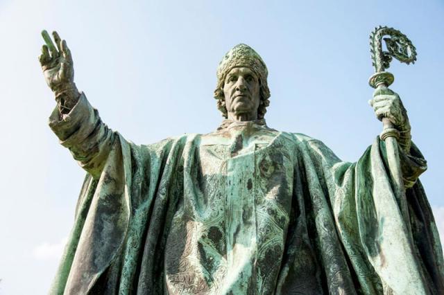 Bischof Bernward von Hildesheim